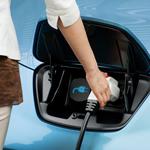 Nissan fait un grand pas dans l'électrique avec une recharge sans fil !