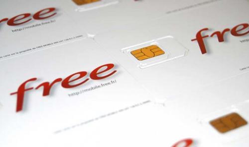 Free mobile installe des bornes interactives pour s'abonner plus facilement !
