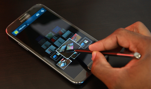 Samsung-Galaxy-Note-II-Airview-in-Gallery-by-Hovering-S-Pen-OVer-Pictures