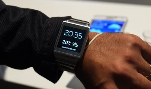 Samsung-Galaxy-Gear-pubdecom-500