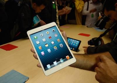 L'iPad Mini est disponible en blanc ou en noir