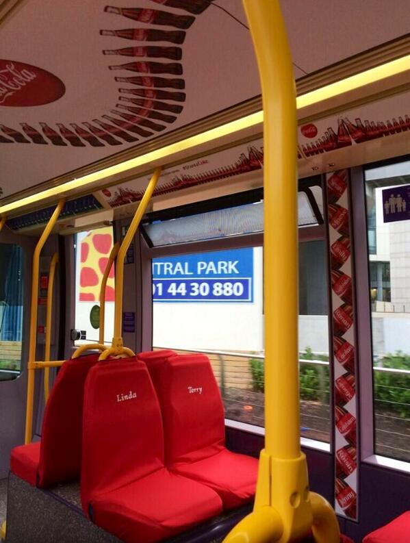 Les tramway de la ligne C14 et C15 ont été aux couleurs de Coca-Cola à l'occasion de son opération marketing sur les prénoms